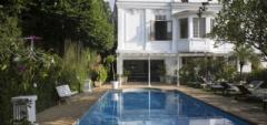 Mama Ruisa - Swimming Pool