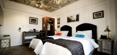 Hotel Clasico - Twin Bedroom